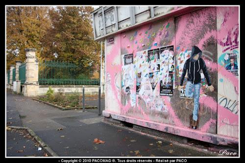 vue de la rue et du street art de paco