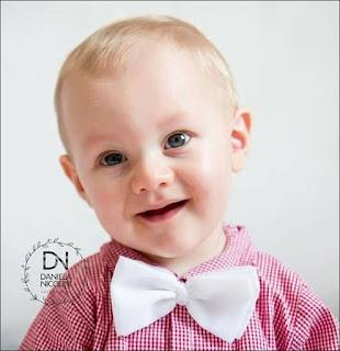 O bebê Bento nasceu com uma malformação congênita na mão esquerda e precisa de uma cirurgia que lhe dará o movimento de pinça/pegada Foto: acervo Daniela Nicolini