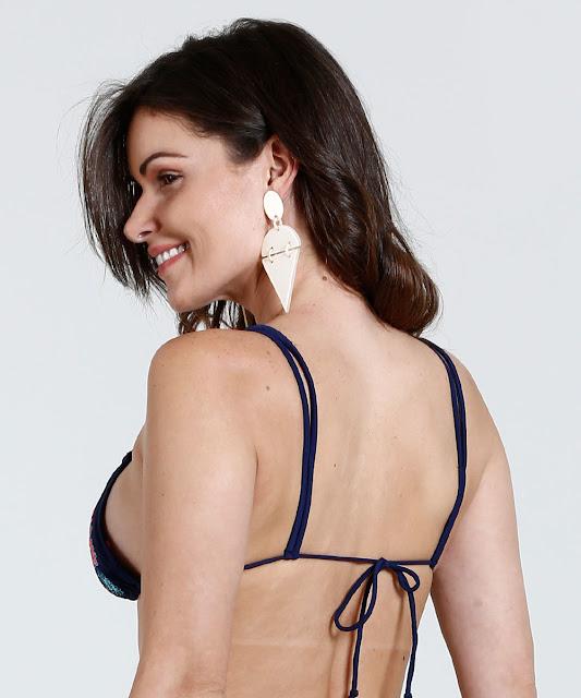Biquíni feminino parte de cima, modelo cortininha, confeccionado em tecido poliamida e elastano com bordado