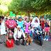 Fiestas El Regato | Unos atrevidos adultos ponen humor al concurso de disfraces