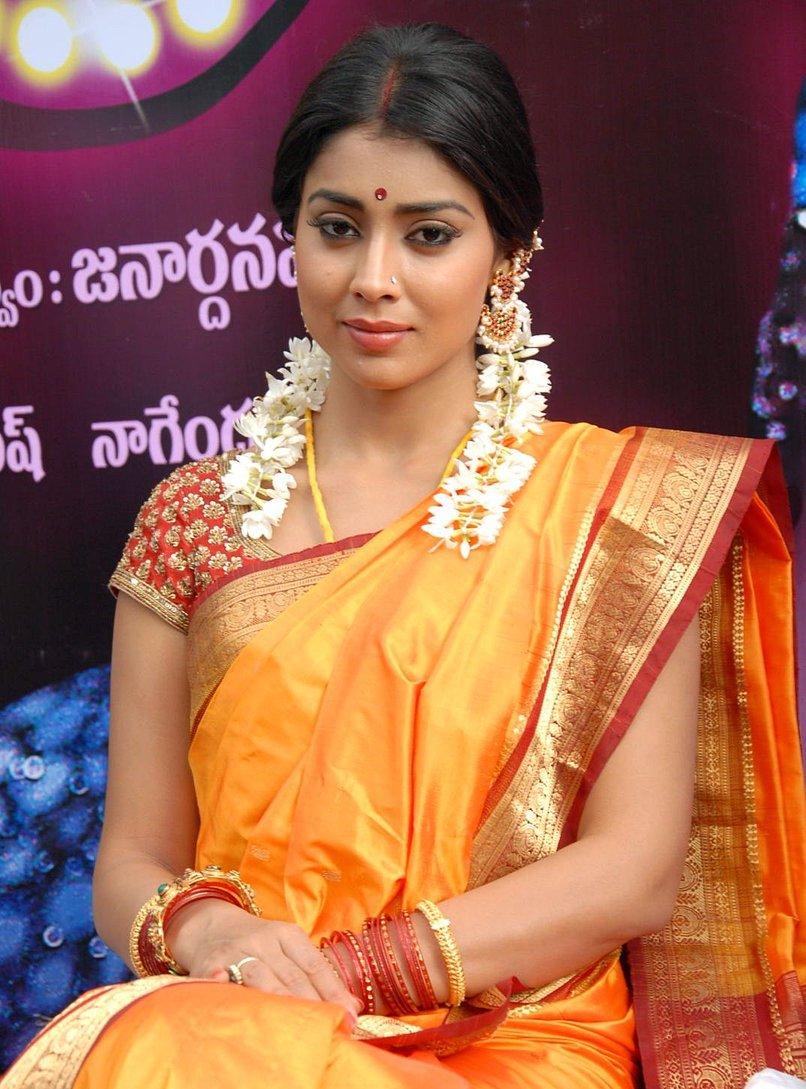 Actress ShriyaSaran Latest HD Images