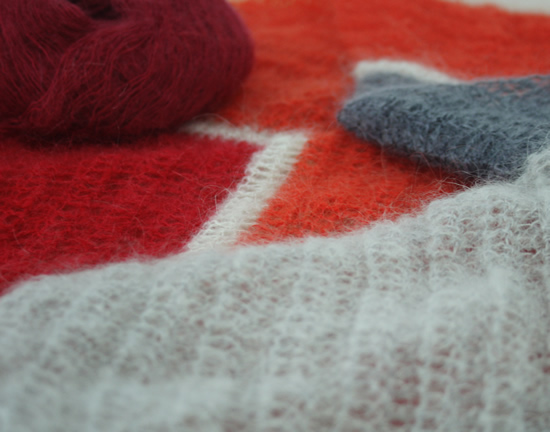 Mohair crochet: pointing up or pointing down | Happy in Red