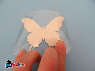 farfalla con bottiglia plastica