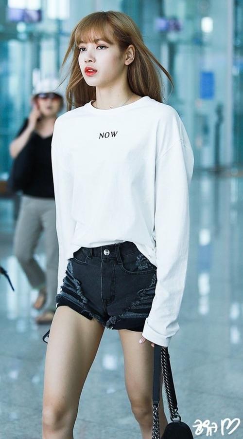 Blackpink Lisa Fashion Official Korean Fashion