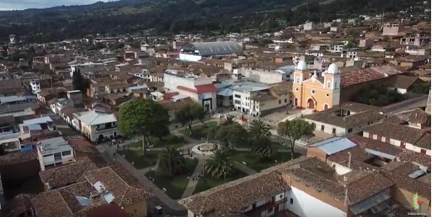 Construyen 2  instituciones educativas en Cajabamba