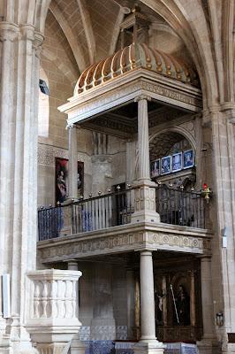 Capilla de los Santos con el relicario. Iglesia de San Juan Bautista. Berzocana
