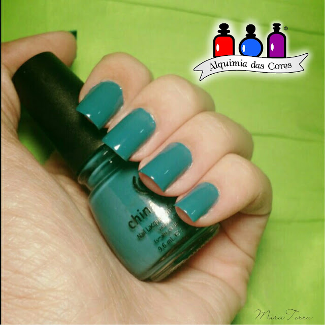 China Glaze, Coletivo, verde, He's Going in Circles, Shower Together, teal, Halloween 2010 Awakening, Zombie Zest, Green, Ale M, Marii T., Mony D07, Holo, Kaleidoscope, Gussied up green, Rodeo Diva,