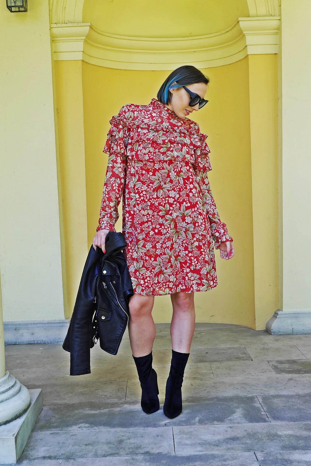 2_sukienka_falbanki_kwiaty_bonprix_skarpetkowe_botki_renee_karyn_blog-Modowy_140518