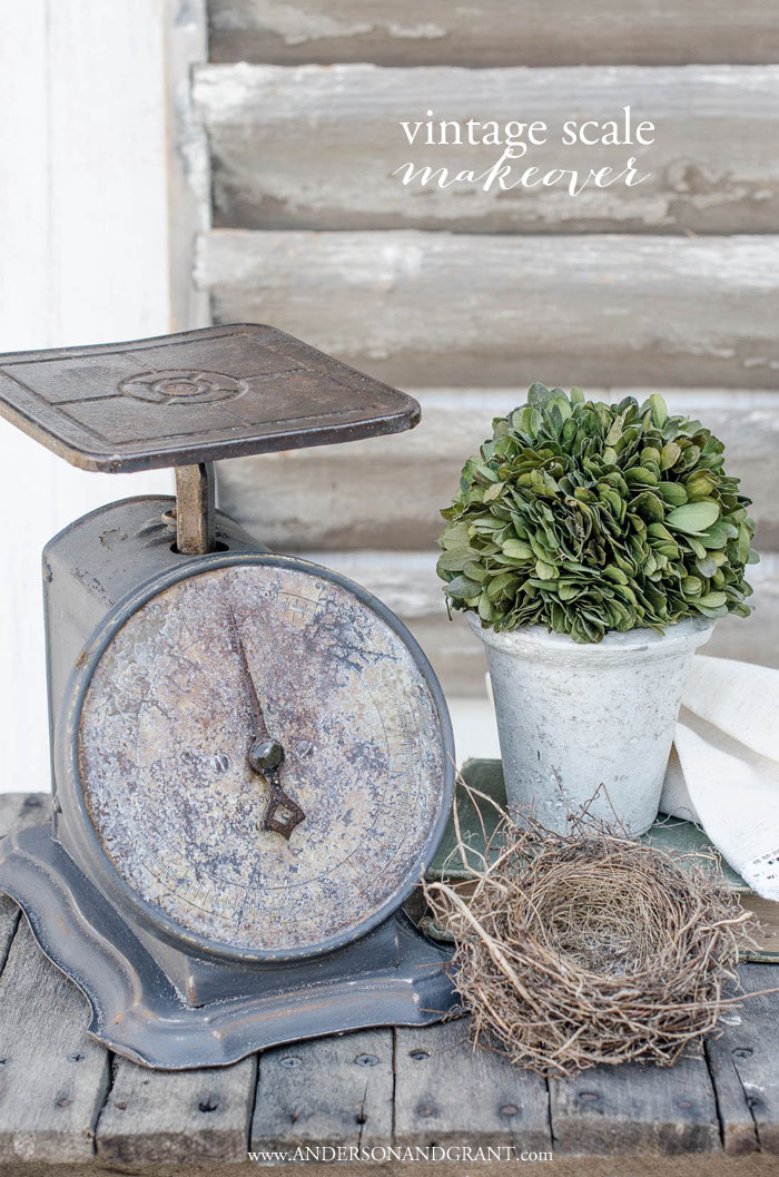 A vintage kitchen scale gets a dramatic makeover with chalk paint #DIY #FarmhouseDIY #farmhousedecor #andersonandgrant