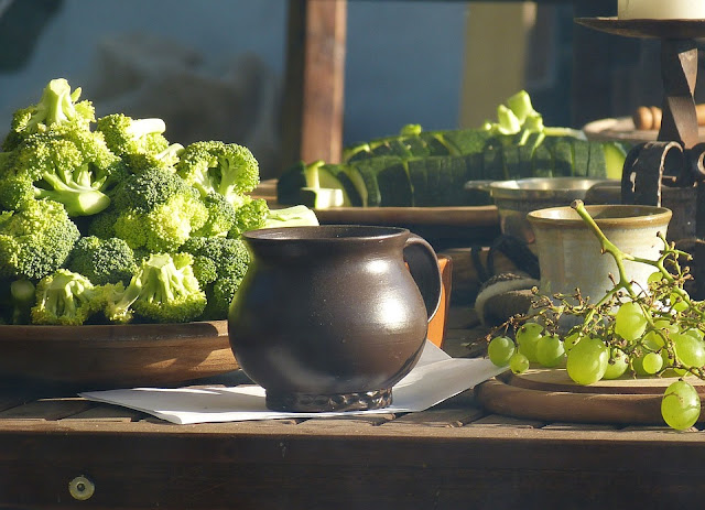 http://www.foodiefoodtips.com/2017/08/broccoli-benefits.html