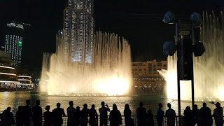 النوافير الراقصة دبي في الليل