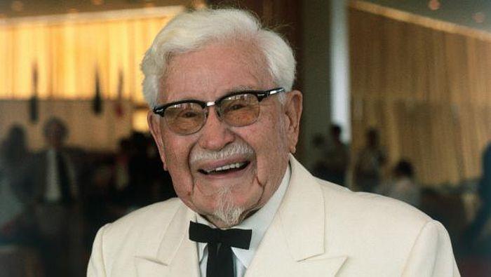 Kisah dari pendiri makanan cepat saji, Ayam goreng renyah Kentucky Fried Chicken (KFC)