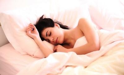 posisi-tidur-ibu-hamil-6-bulan