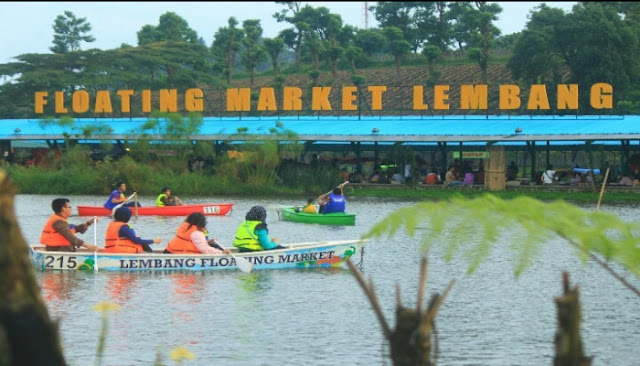 danau floating market