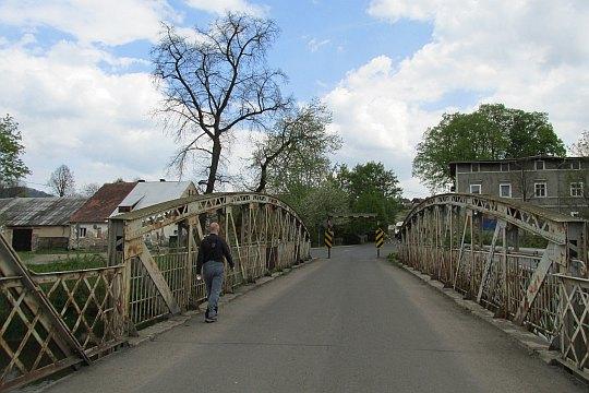 Most nad Bobrem w Siedlęcinie.
