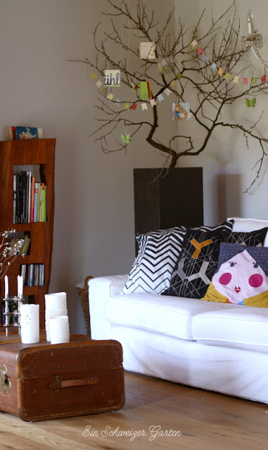 ein schweizer garten fr hlings mailart. Black Bedroom Furniture Sets. Home Design Ideas