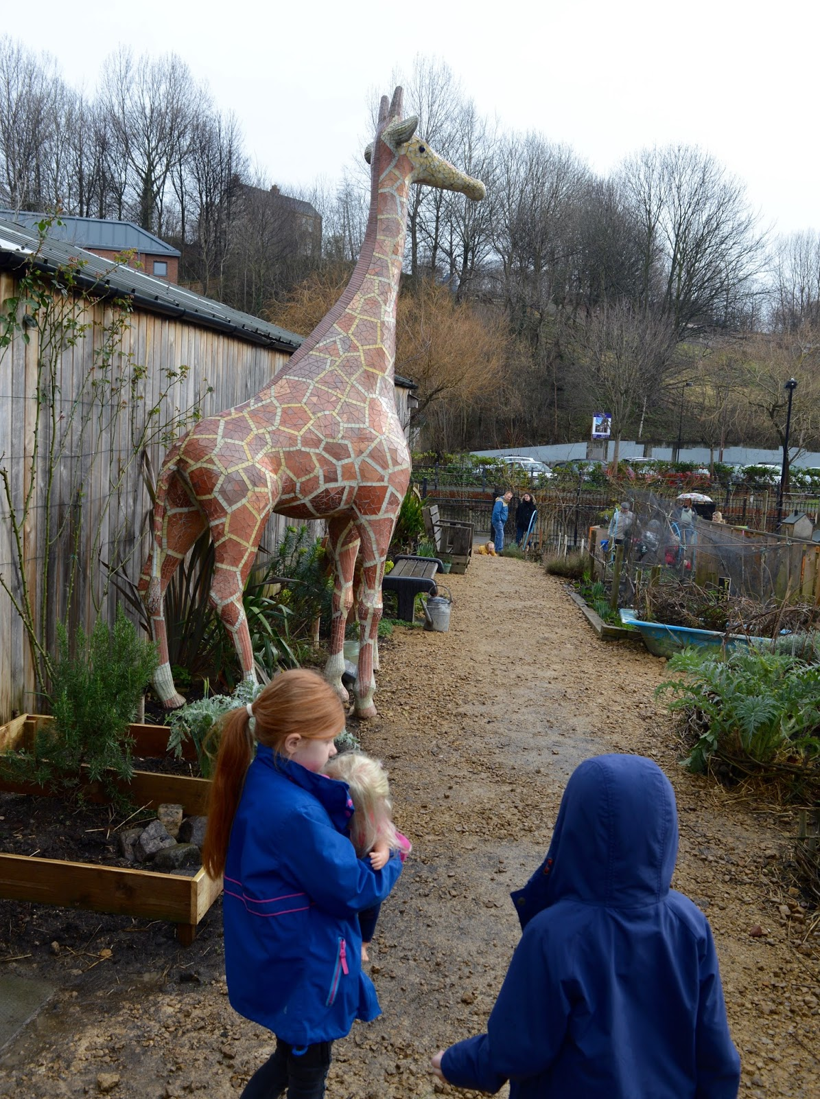 Ouseburn Farm Newcastle | A FREE Place to Take the Kids - giant giraffe