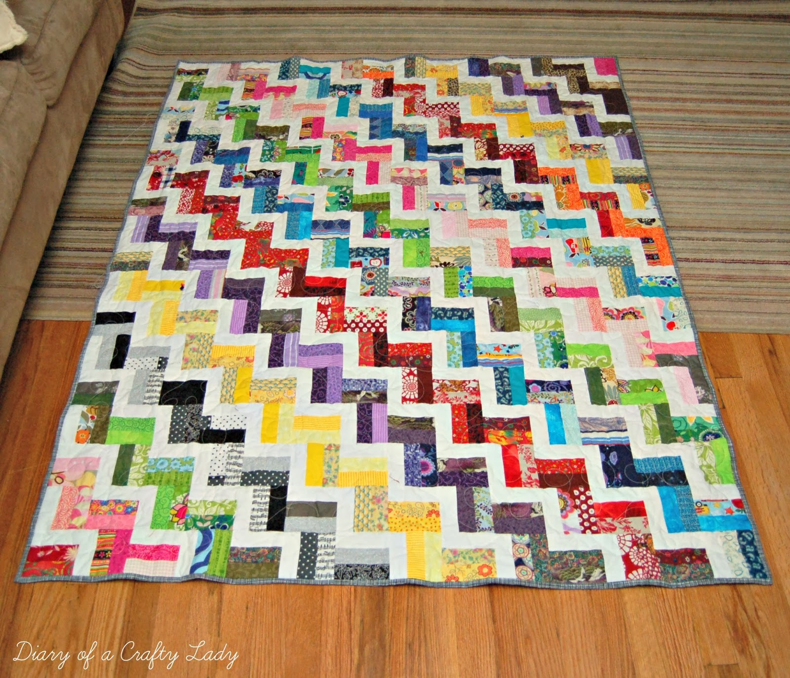Diary of a Crafty Lady: Finished Zig Zag Scrap Quilt : zig zag quilt patterns - Adamdwight.com