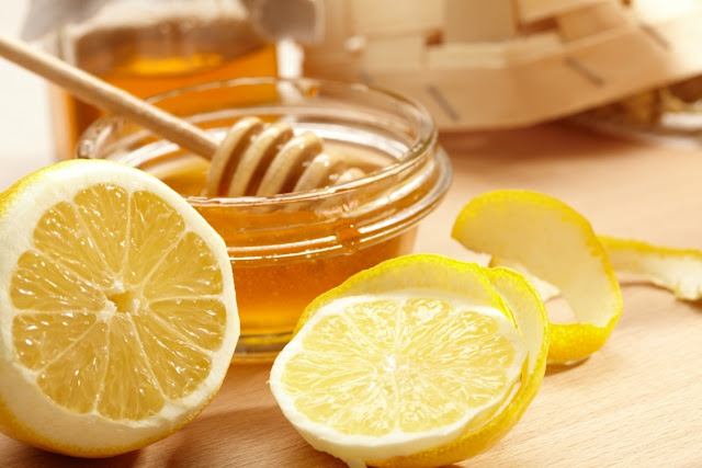Benefits of drinking honey lemon water