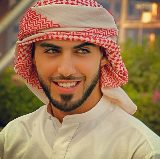 Дэлхийн хамгийн царайлаг залуу болох Омар Боркан эхнэртэй болжээ /Фото/