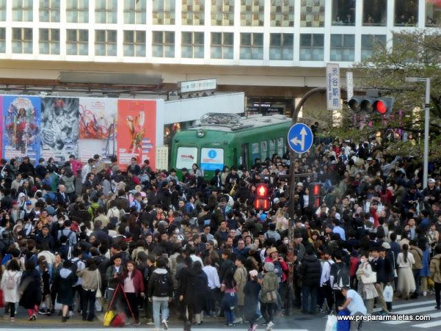 personas acumuladas en Shibuya
