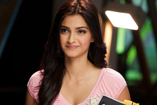 Sonam Kapoor Artis Muda Bollywood Tercantik