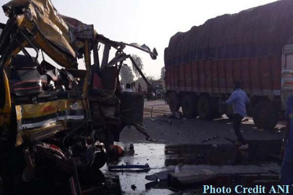 indore-bus-truck-accident-5-student-dead-with-bus-driver-news