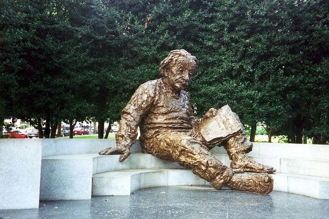 TED、孔恩、愛因斯坦、不可共量