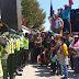 Terkait Kasus PT.RUM, Massa Aksi Demonstrasi Menuntut dibebaskan Tujuh Aktivis Lingkungan