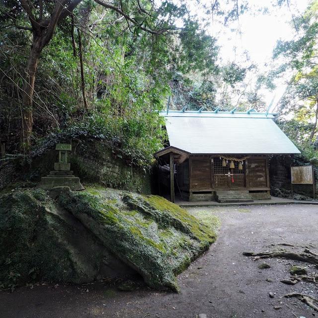 房総フラワーライン 船越鉈切神社
