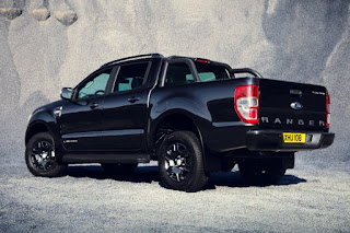 Ford Ranger Black Edition Double Cab (2017) Rear Side