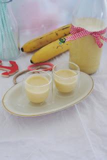 egzotyczny koktajl z mleczkiem kokosowym