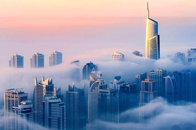 dubai-dari-atas-awan