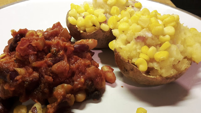 Project 366 2016 day 322 - Smokey bean chilli and stuffed jacket potato // 76sunflowers