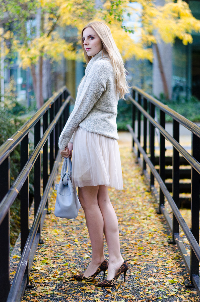 how to style a summer dress for winter, winter outfits, how to wear a tulle skirt