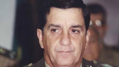 UMA RESPOSTA DO CLUBE MILITAR AO COMANDANTE DO EXÉRCITO