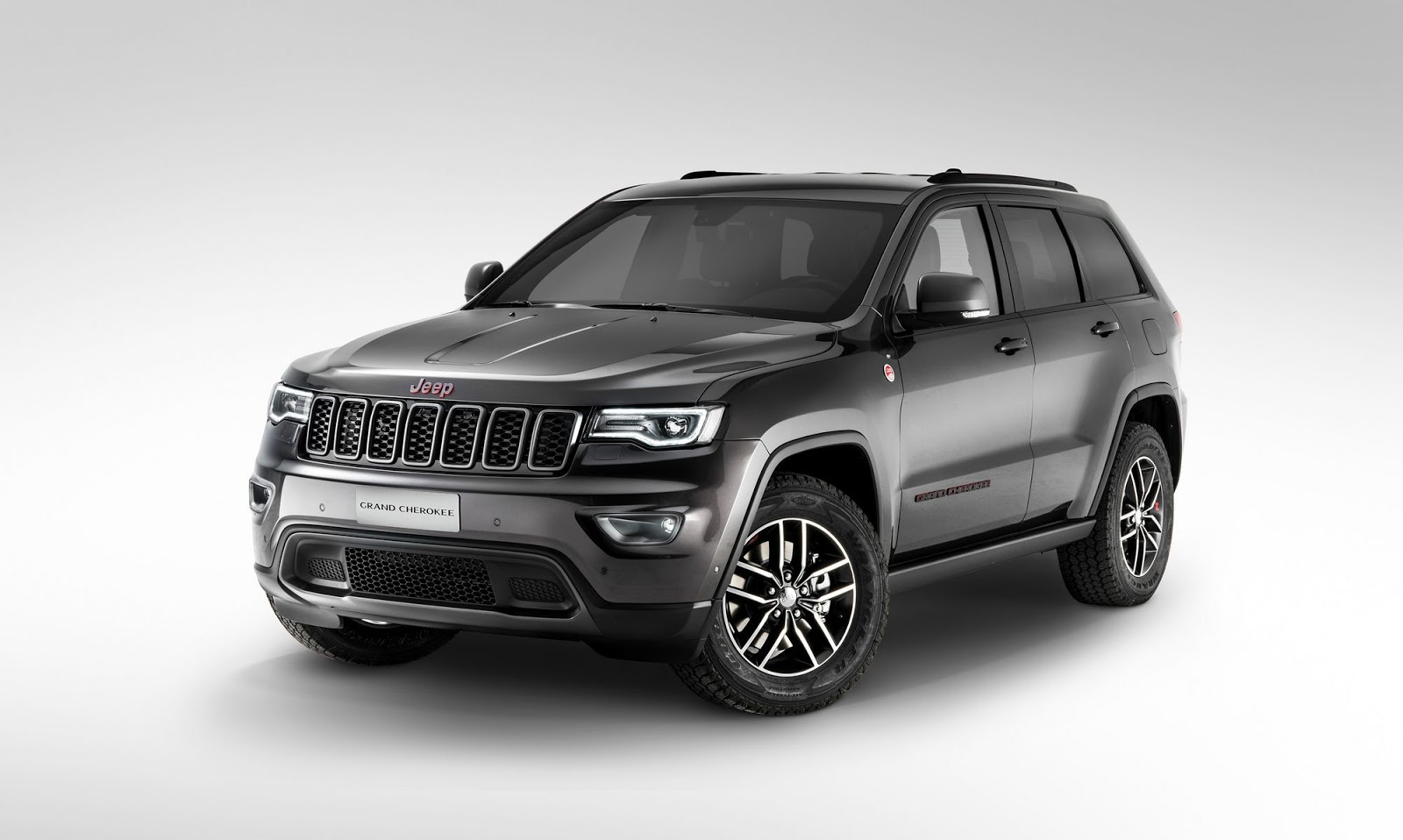 2017 grand cherokee headlines jeep paris auto show line up. Black Bedroom Furniture Sets. Home Design Ideas