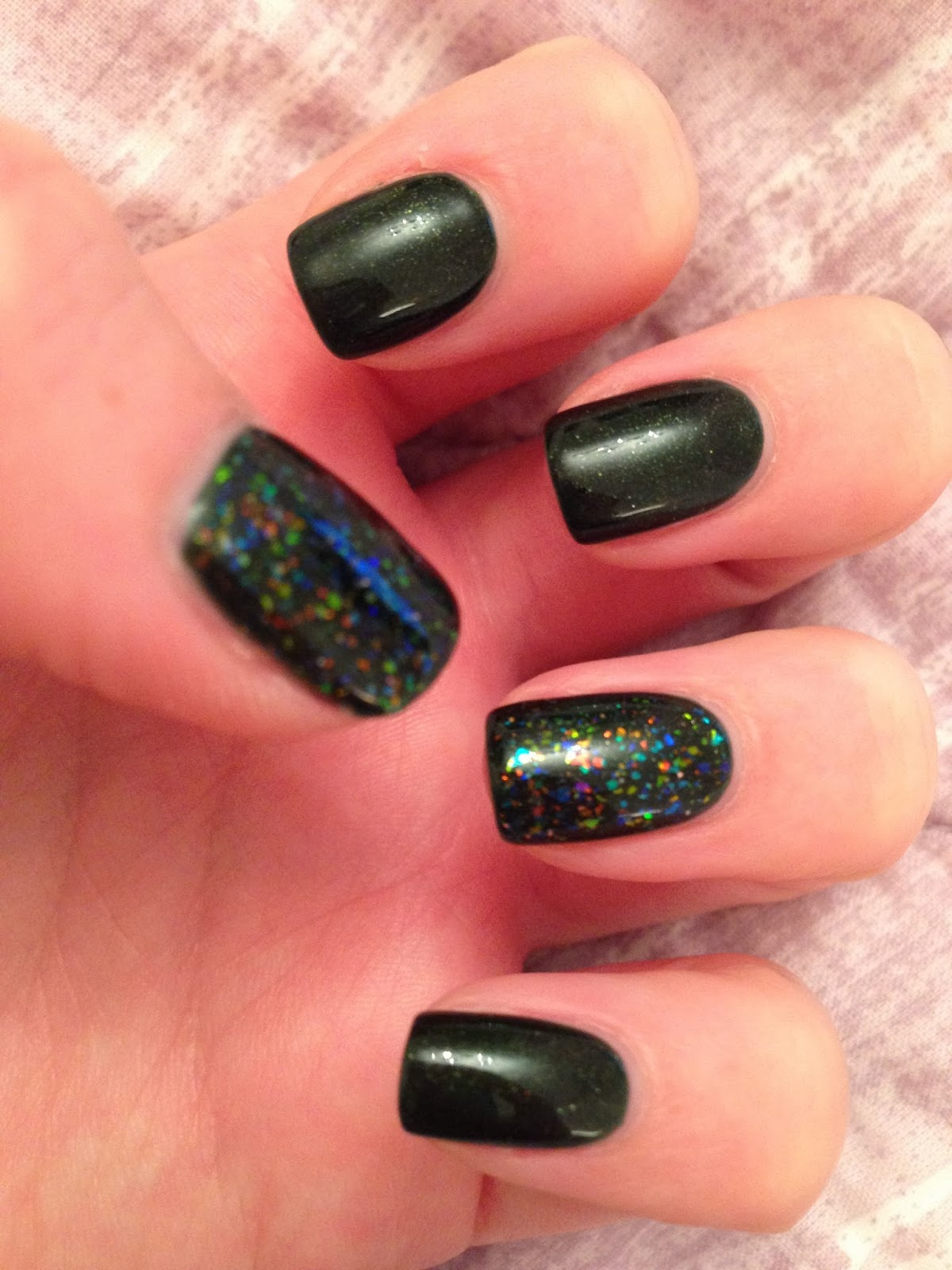 Pretty Shellac Nails: The Little Blonde Beauty Blog ♀: Shellac- 'pretty Poison