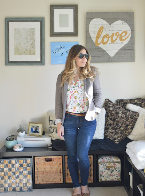 Peplums and Pie OOTD // First Spring Outfit for 2018 // Peplums & Pie // Vince Camuto Floral Top, STS jeans, skinny tan belt, Tory Burch Minnie Flats Tan, grey blazer H&M