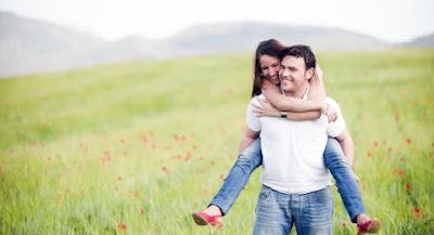 4 Tanda Cowok Benar-Benar Mencintaimu Setulus Hati