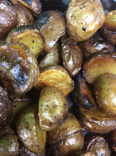 Look at these scrumptous smoked grilled potatoes with a wood flavor