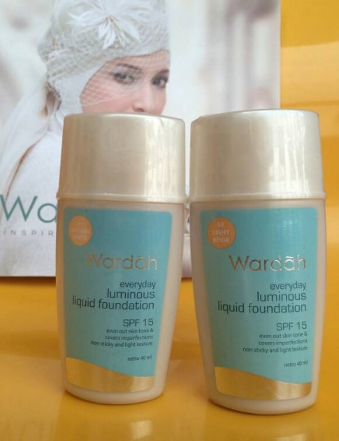 4 Produk Foundation Wardah Untuk Kulit Berminyak Dan Tahan