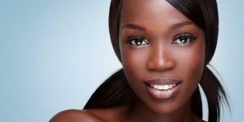 Cómo elegir base de maquillaje si eres una chica negra