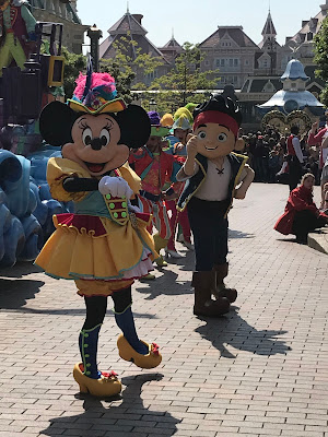 Pirate Minnie and Jake on Parade