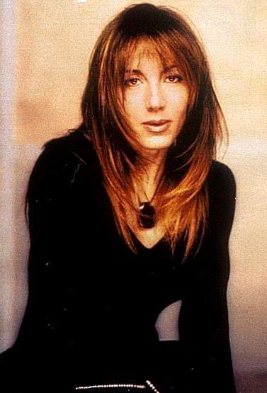 Foto de Ana Torroja con cabello largo