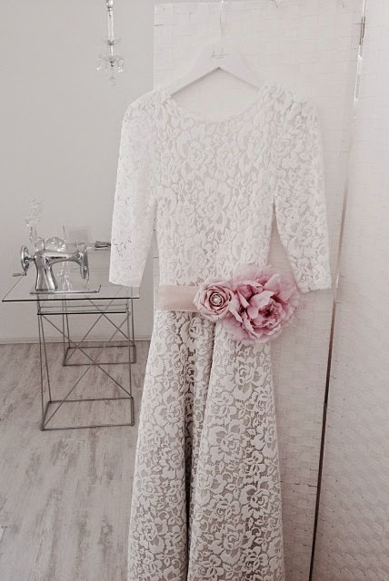 Cotton Lace Wedding Dress for The Sophisticated Bride