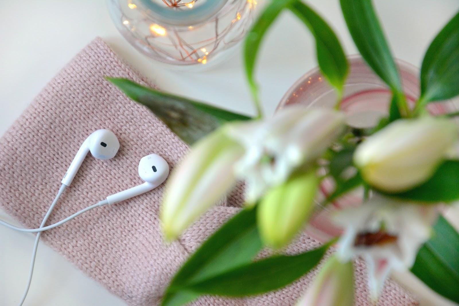 Apple Headphones; H&M Accessories; Fresh Lilies