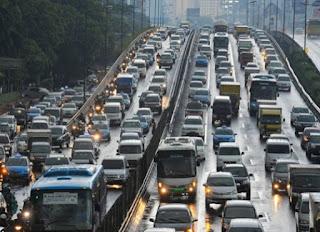 memang sering kita melihat banyaknya arus macet yang ada di jalan raya terutama di jam ja Tehnik Berhenti Setengah Kopling Di Tanjakan