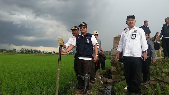 Tindaklanjuti Investigasi Lahan Ahli Waris Hernawan, LIPAN RI Pasang Patok Pembatas Lahan Di Desa Jelekong