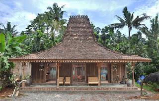 Rumah Adat Jawa Tengah (Joglo)